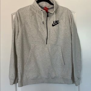 Nike Rally Quarter Zip Pullover